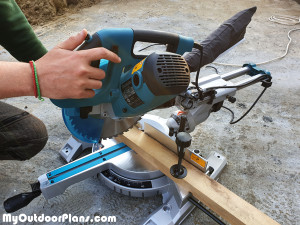 DIY-Cutting-the-pieces-for-the-garden-bench