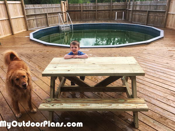 How-to-build-a-child-picnic-table
