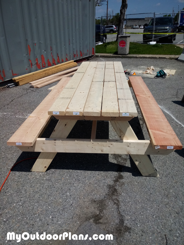 Build-a-picnic-table-8-ft