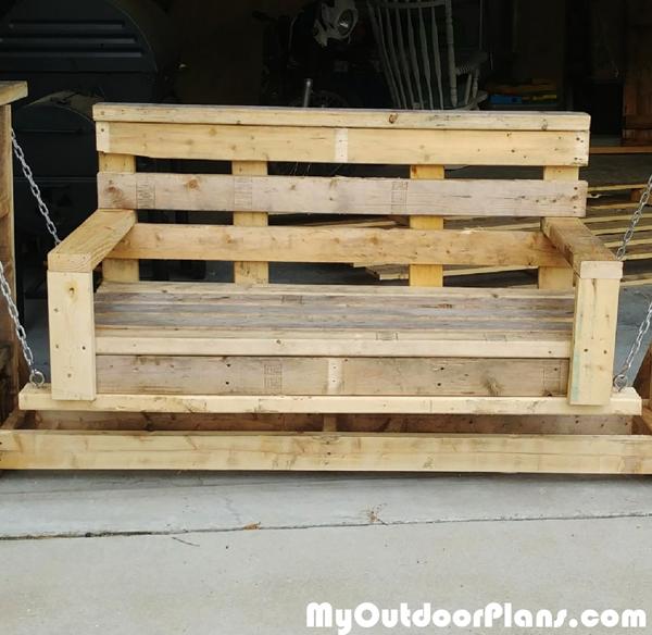 DIY-Pallet-Wood-Glider