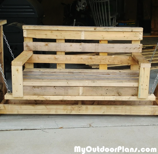 DIY Pallet Wood Glider Bench
