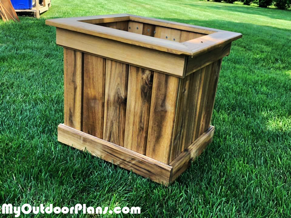 Building-a-wooden-planter