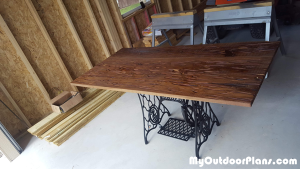 DIY-Stylish-Table