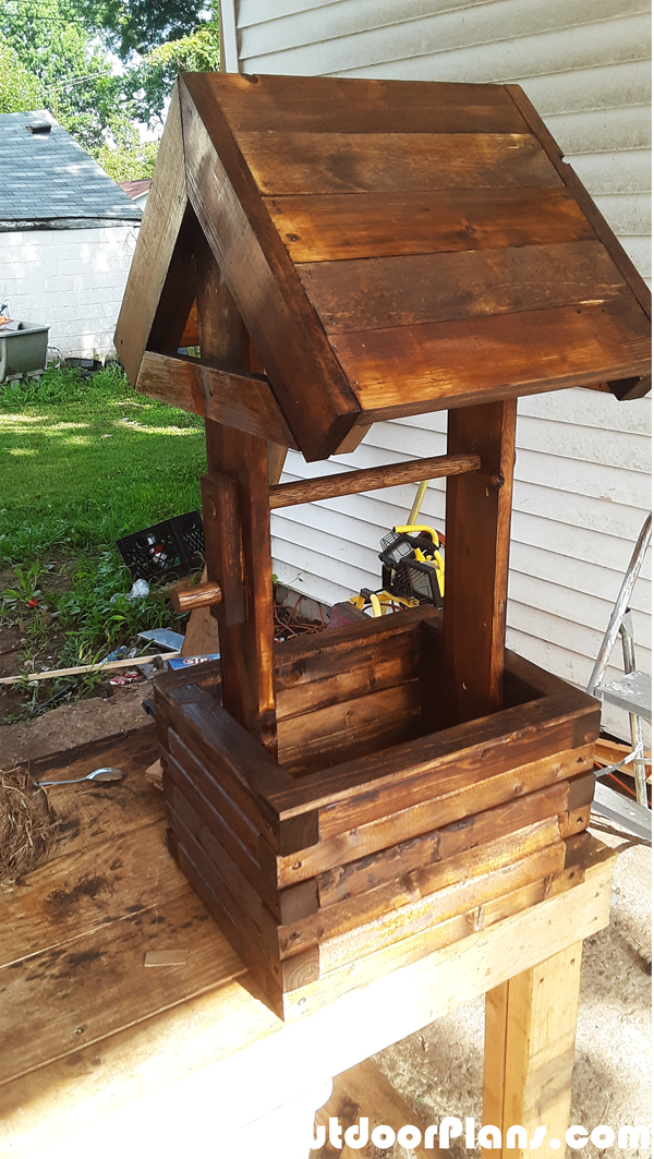 How-to-build-a-planter-wishing-well