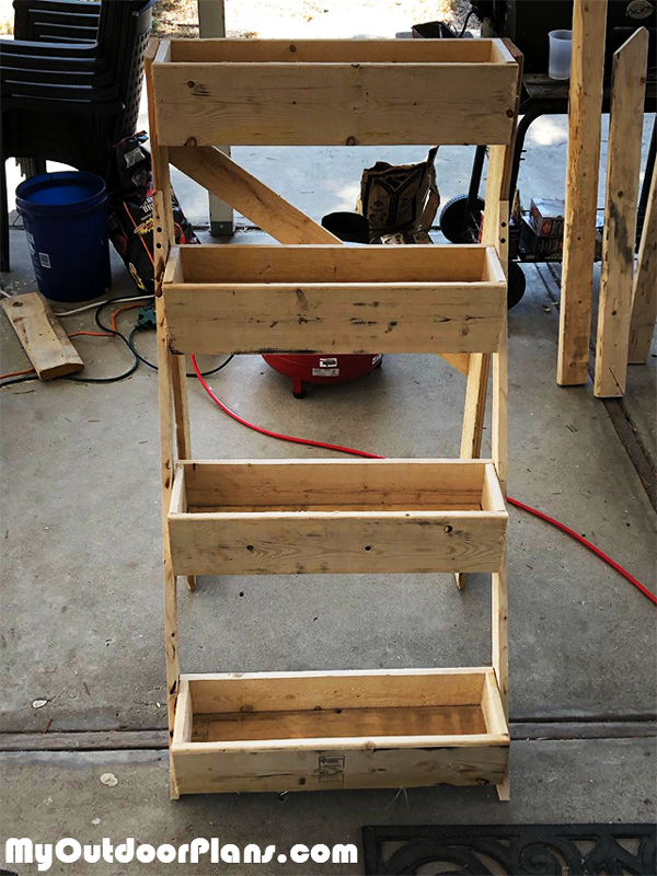 Building-a-3-tier-planter-stand