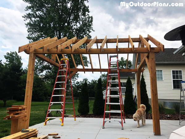 Installing-the-rafters-to-the-outdoor-pavilion