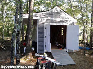 DIY-Shed-with-porch