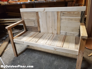 2x4-Garden-Bench---DIY-Project