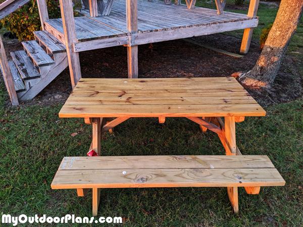 DIY-Picnic-Table-5-ft
