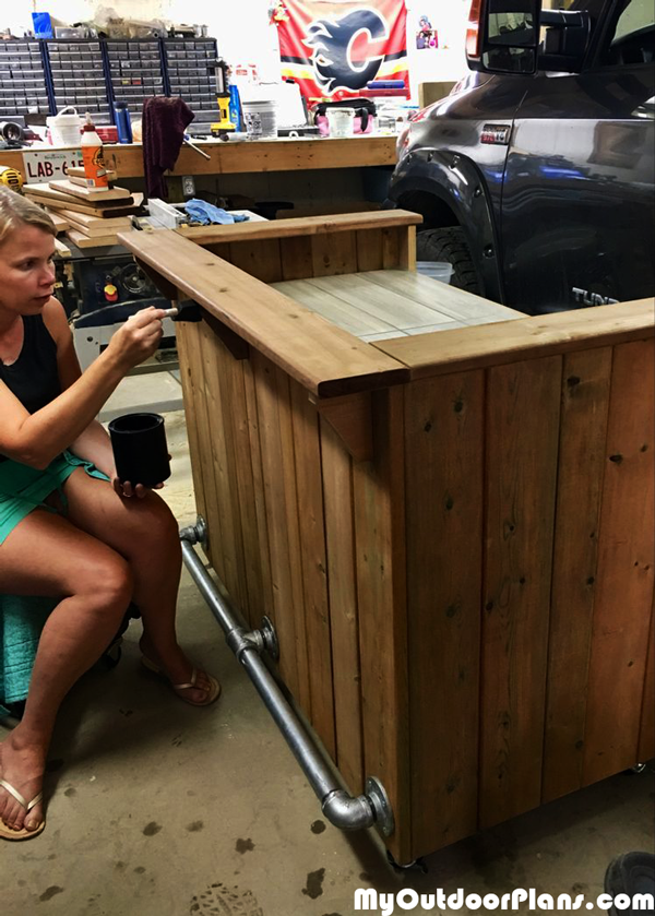DIY-Wooden-Bar