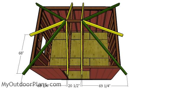 Fitting the common rafters to the hip roof