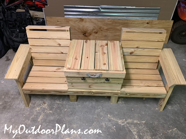 DIY Outdoor Double Chairs with Cooler
