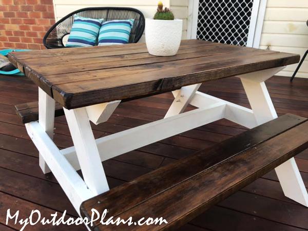 DIY-Kids-Picnic-Table