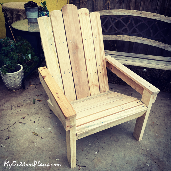 DIY-Adirondack-Chair-from-Recycled-Lumber