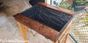 DIY-Vegetable-Planter