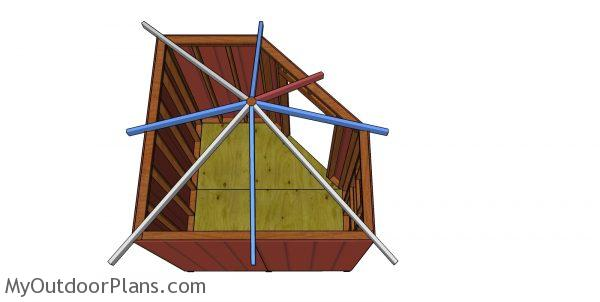 Fitting the common rafters