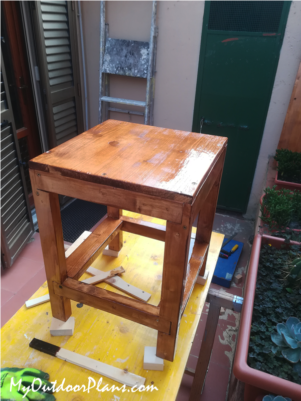 DIY Simple Stool