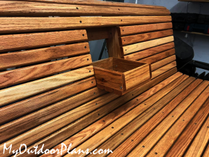 Center-console-for-swing-bench