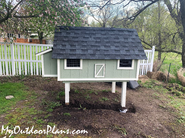 Easy 4x8 Chicken Coop Build