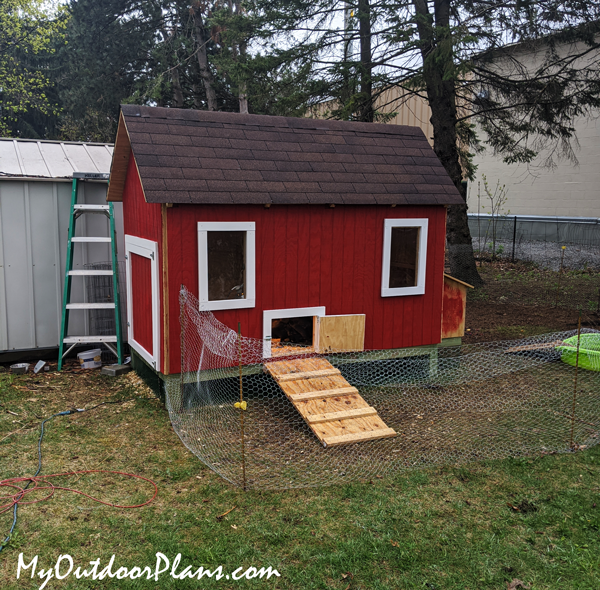 DIY 4x8 Chicken Coop Plans