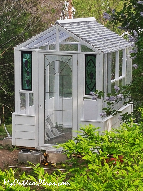 DIY-6x8-Wood-Greenhouse