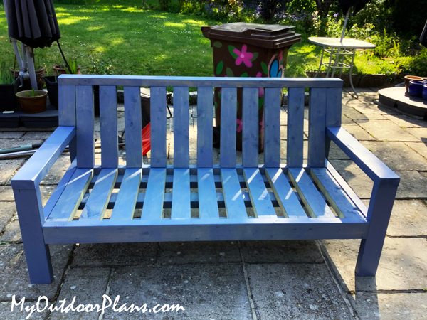 DIY Outdoor Sofa from 2x4s