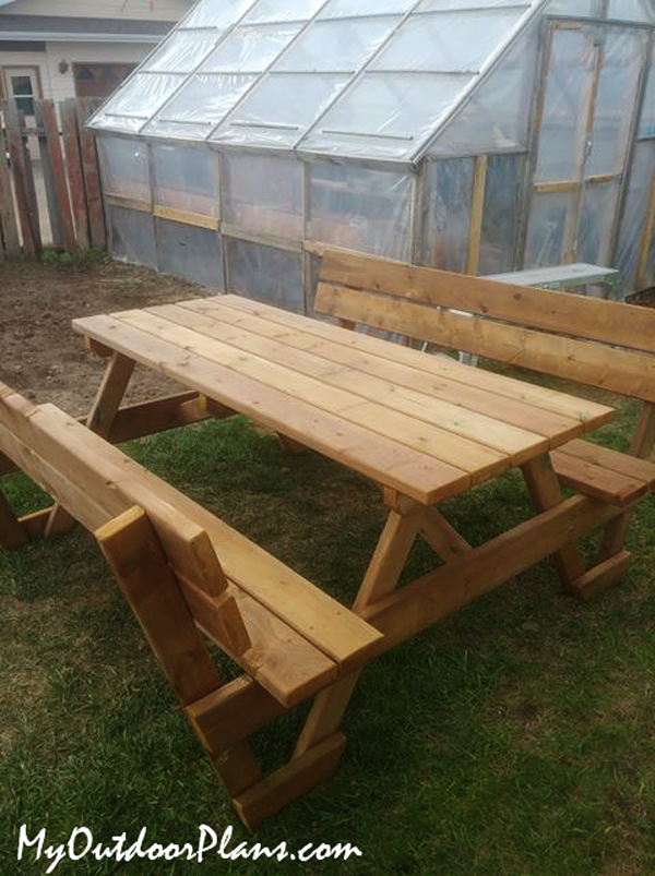 DIY-Picnic-Table-with-Backrests