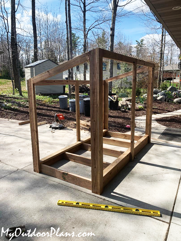 Framing-the-wood-storage-shed