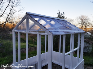How-to-build-a-small-greenhouse
