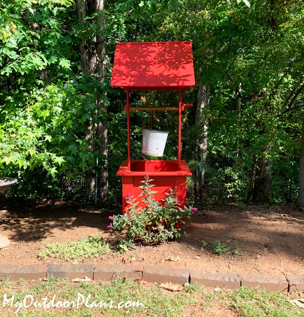 DIY Wooden Wishing Well