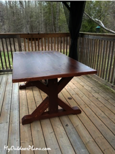 Wood-Farmhouse-table-with-X-braces