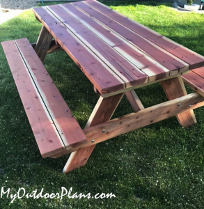 Build-a-picnic-table-from-redwood