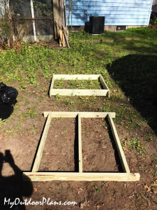 Building-the-frames-for-the-fort