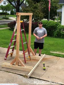 DIY-Wood-Swing-Stand
