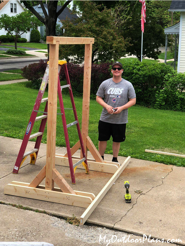 DIY-Wood-Swing-Stand