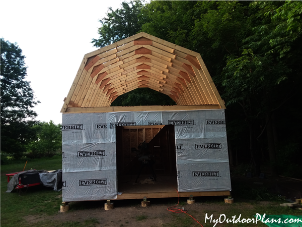 Fitting-the-exterior-boards-to-the-shed