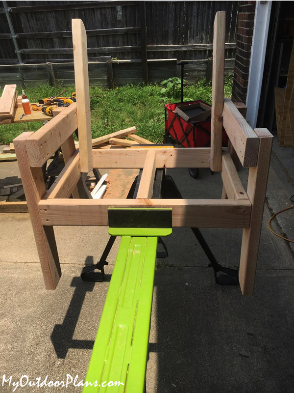 How-to-build-a-garden-chair