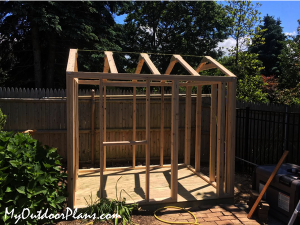 Building-a-small-garden-shed-frame