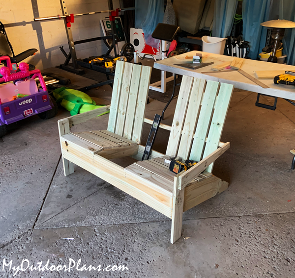 Build-a-chair-with-table