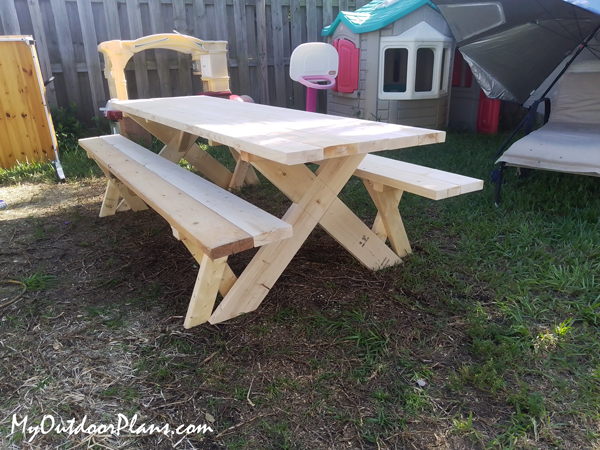DIY Picnic Table with Detached Benches