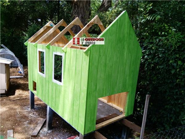 DIY Full Sheet Chicken Coop