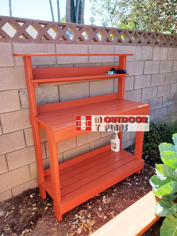 DIY-Outdoor-potting-bench